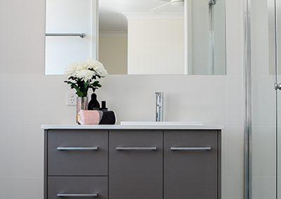 Karalee Bathroom 2